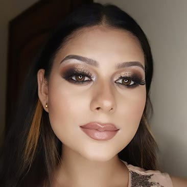 Make-Up By @janvikuria